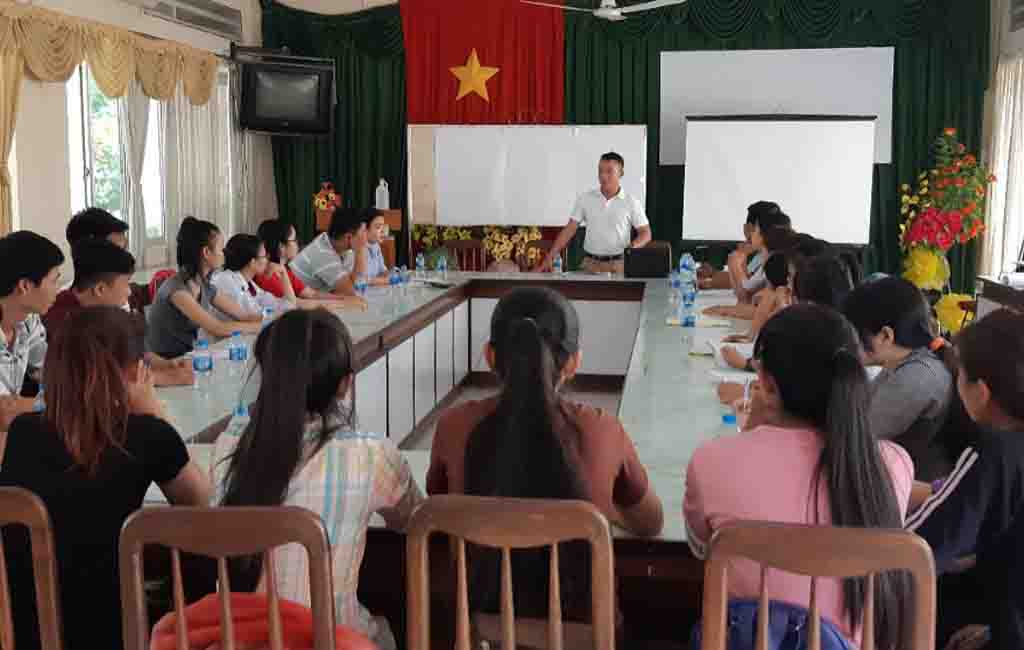 Saigonchildren students meeting to prepare for the social project in 2018