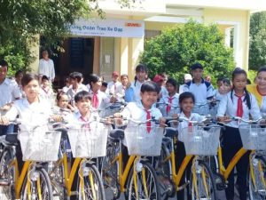 DHL-VNPT Express commit to support bicycle scholarship to