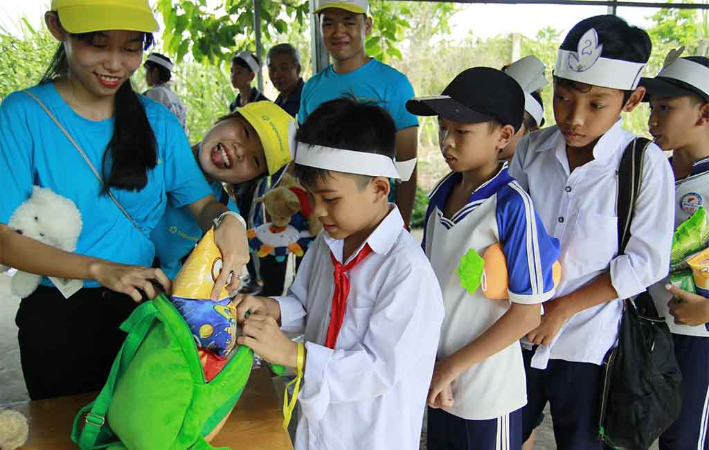 CHILDREN'S FESTIVAL – Summer playground for student of Child Development Scholarship Programme of saigonchildren