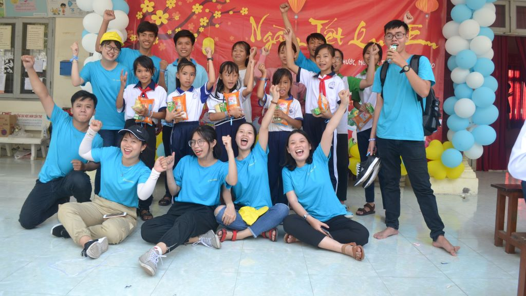 Ấm áp ngày hội Tết cho học sinh Tiền Giang